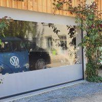 Fermeture de pergola d'un abri vehicules de collection